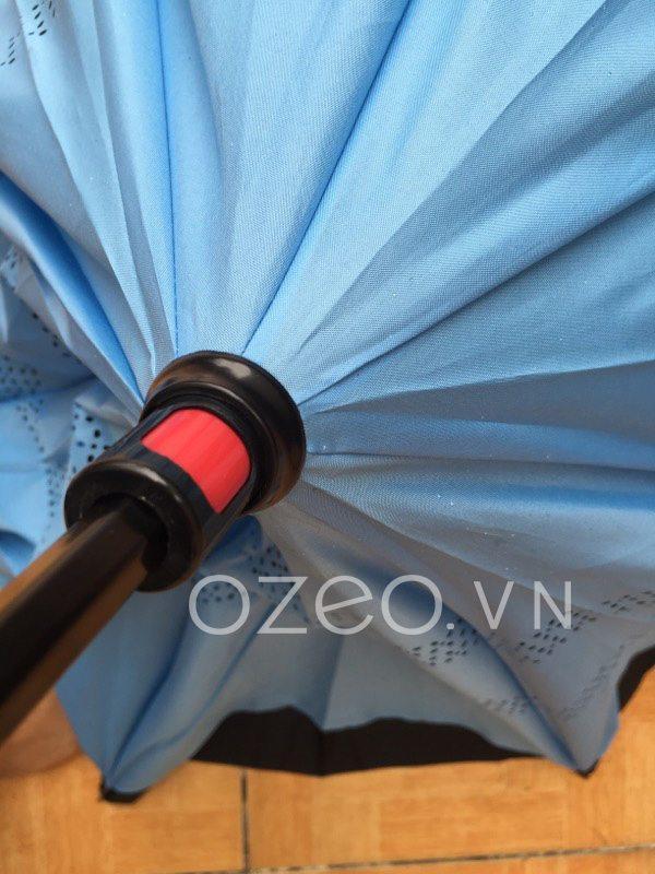 Đầy dù về phía trên
